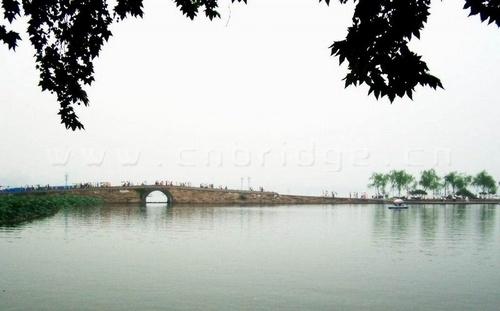 春天西湖断桥风景图片