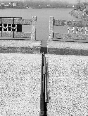 首页 路桥资讯 路桥资讯 正文  南京六合区的瓜埠街道和玉带街道隔着